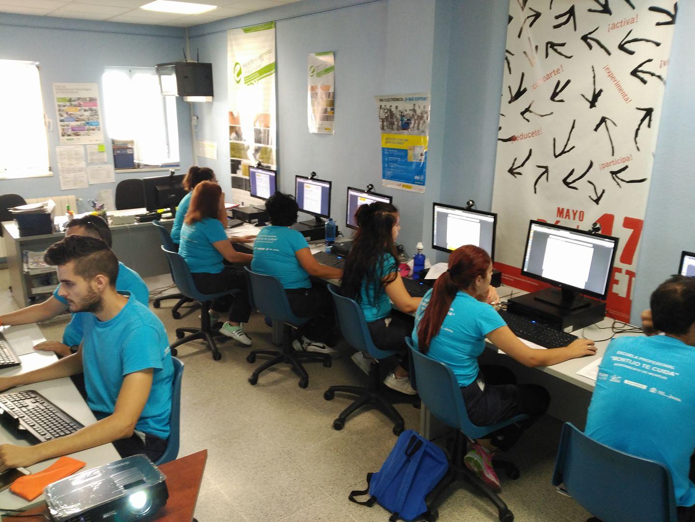 La Escuela Profesional de Montijo se forma en competencias digitales ...